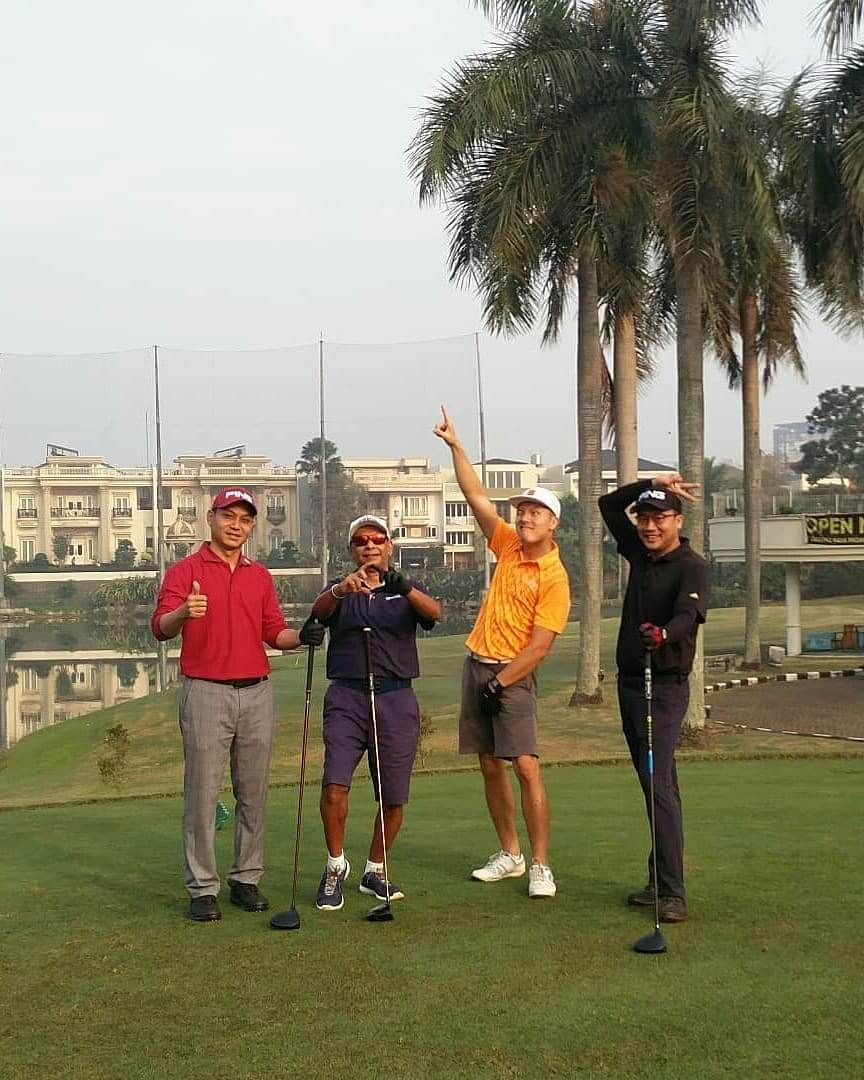 meet-golfers-in-your-area-1-deemples