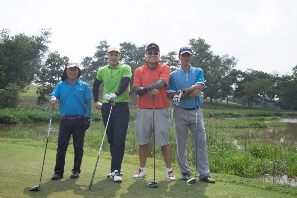 group shot deemples monthly medal danau golf club