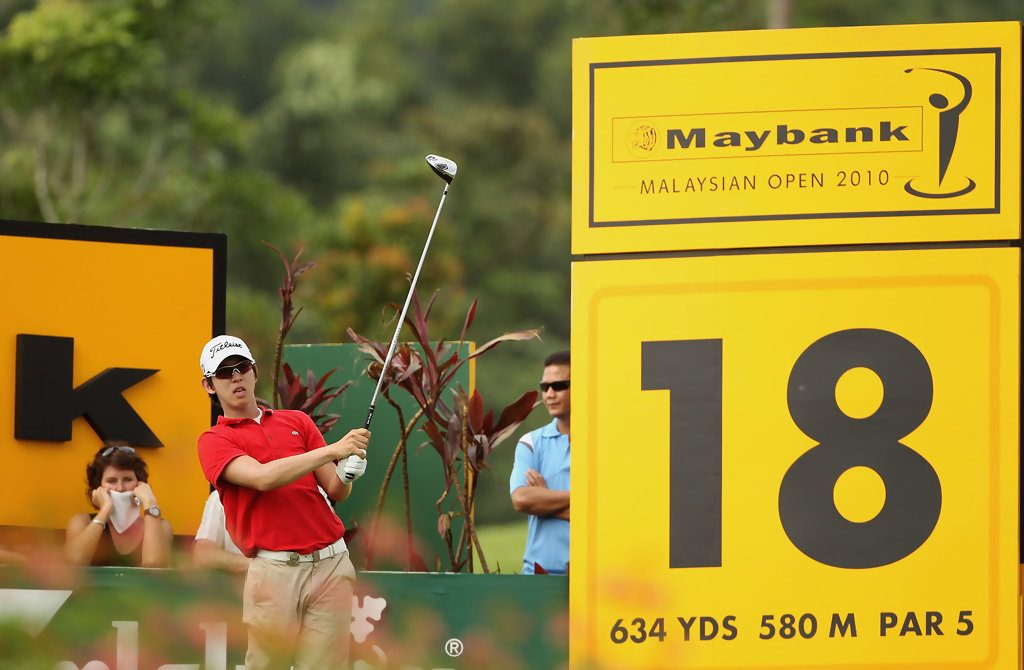 Seung-yul Noh teeing off at the maybank championship in 2010